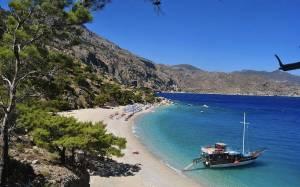 Veleros por las islas griegas, una posibilidad de viaje único. Photo de Myphotos 1000.