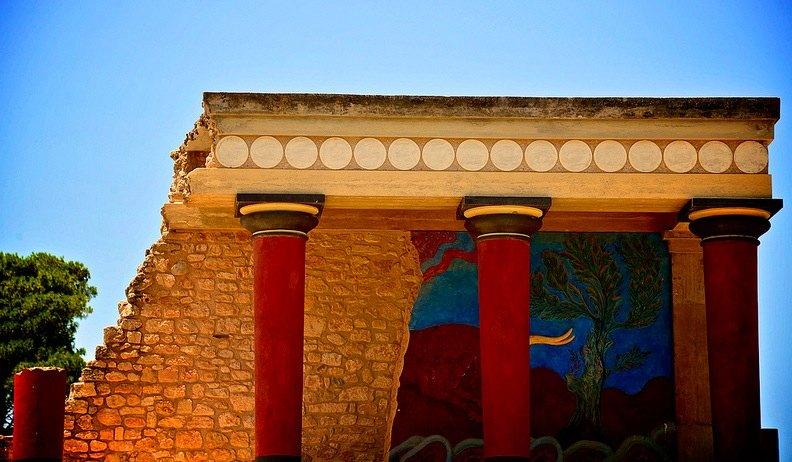 Cnosos o Knossos, capital de la civilización minóica. Enigmas sin resolver, principal monumento de las islas griegas.