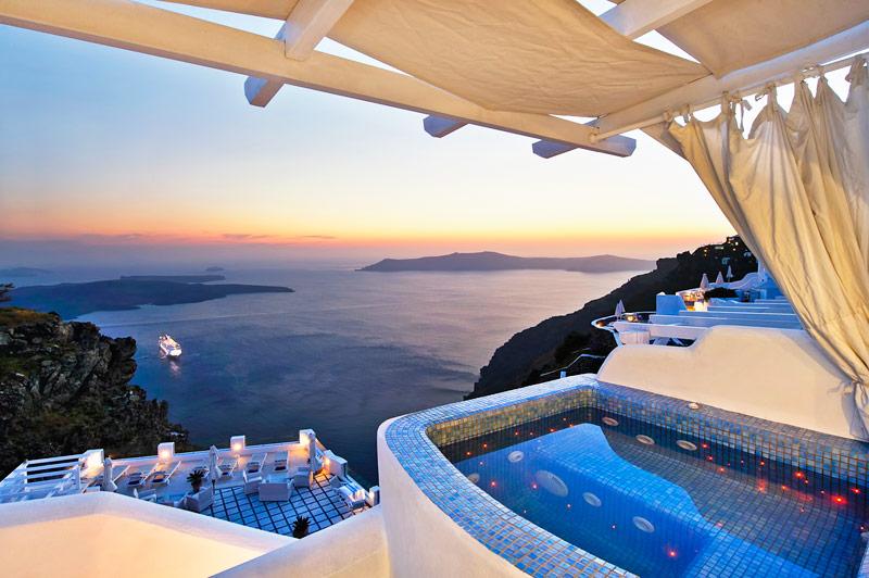 Los hoteles de Santorini son algunos de los más espectaculares de Europa.